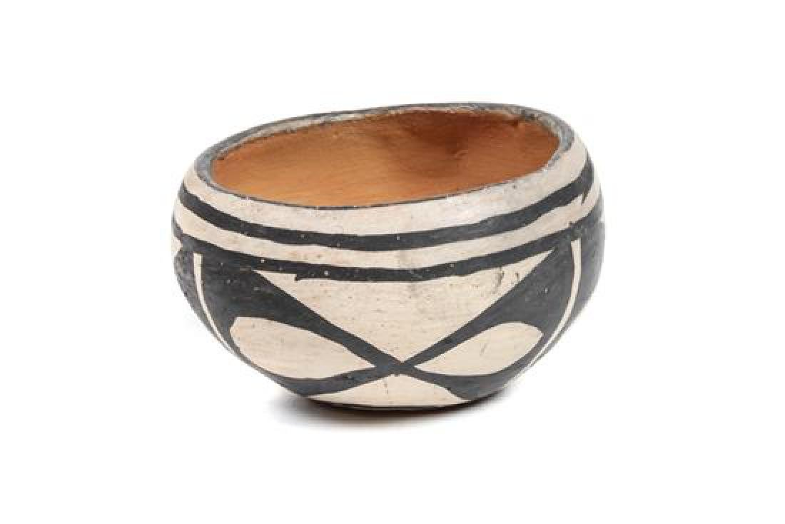 Miniature Santo Domingo Bowl Height 2 1/3 x diameter 3