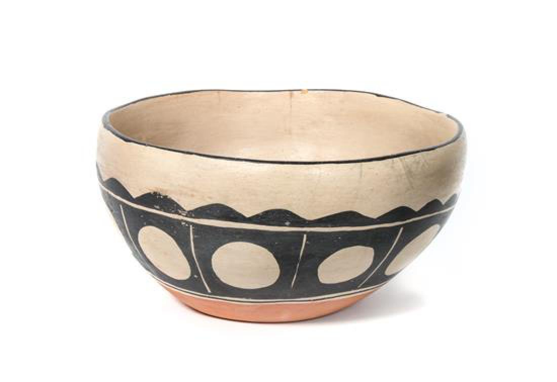 Santo Domingo Dough Bowl Diameter 15 1/2 inches