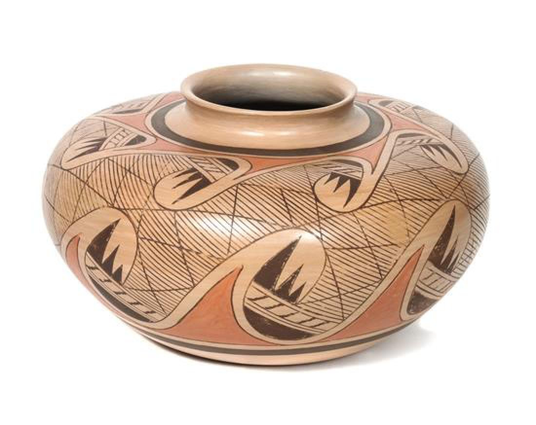 Fannie Nampeyo (1900-1987) Hopi Jar Height 6 1/2 x