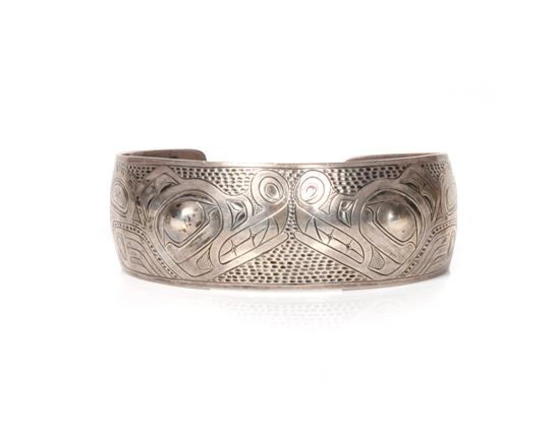 Northwest Coast Silver Bracelet Length 6 1/8 x opening