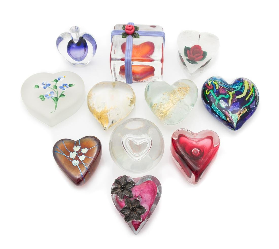 * Eleven Heart Shaped Paperweights Diameter of largest