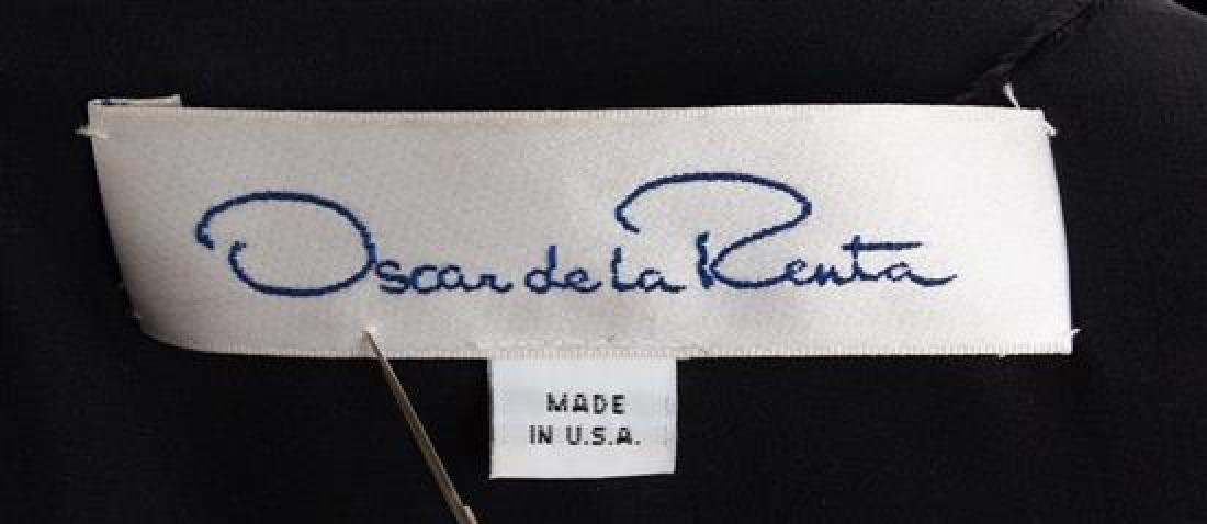 An Oscar de la Renta Black Velvet Evening Coat, No - 3