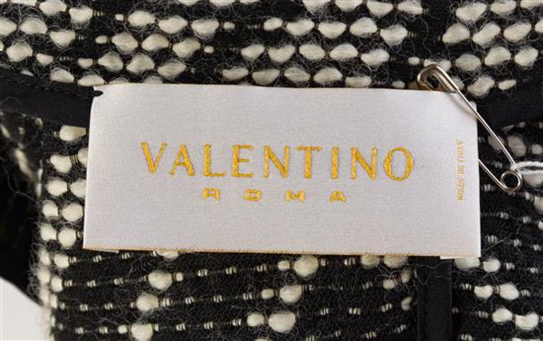 A Valentino Black and White Pattern Jacket, Size 8. - 2