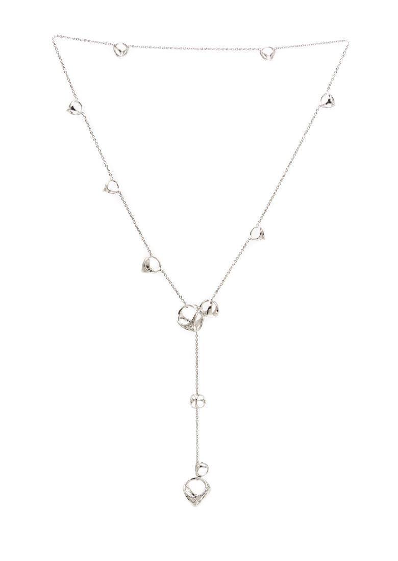 An 18 Karat White Gold and Diamond 'Triadra' Lariat