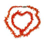 A Coral Branch Bead Necklace 2545 dwts
