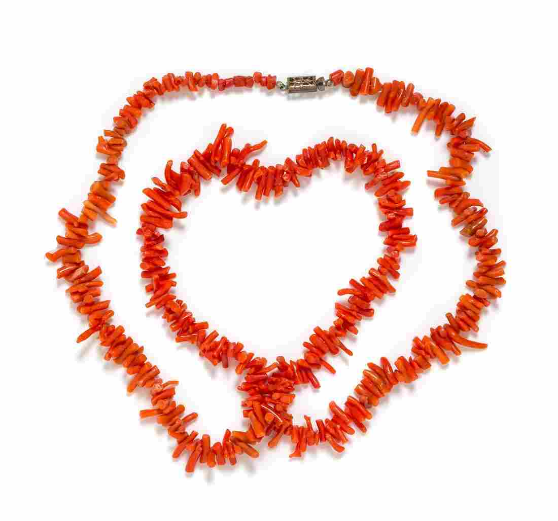 A Coral Branch Bead Necklace, 25.45 dwts.