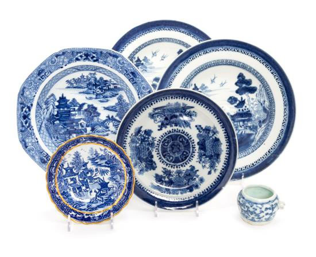 Six Chinese Export Blue and White Porcelain Articles