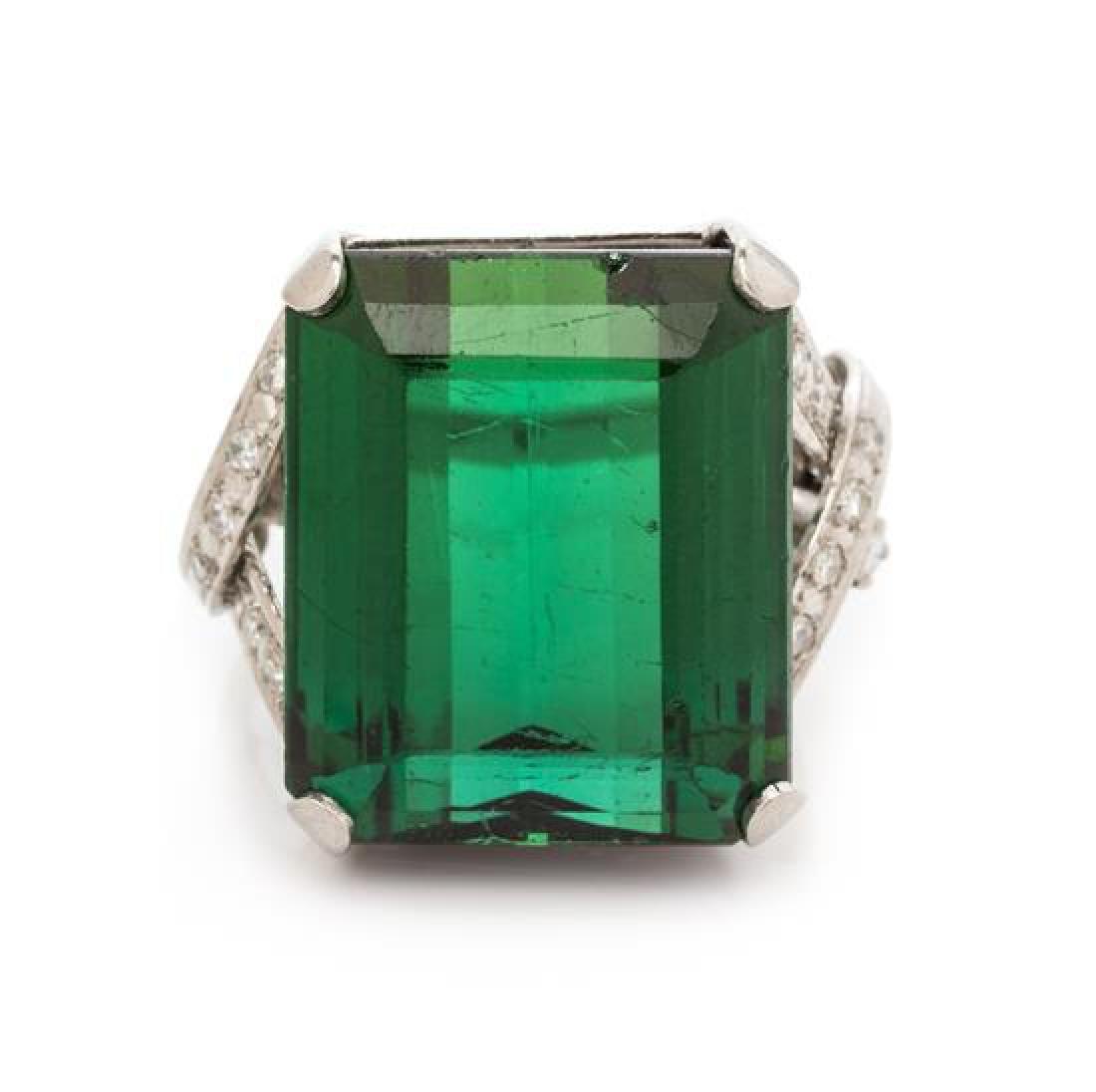 A Platinum, Green Tourmaline and Diamond Ring, 13.25