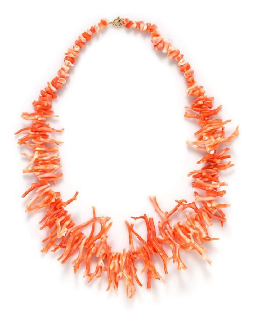 A Coral Bead Necklace, 41.30 dwts.
