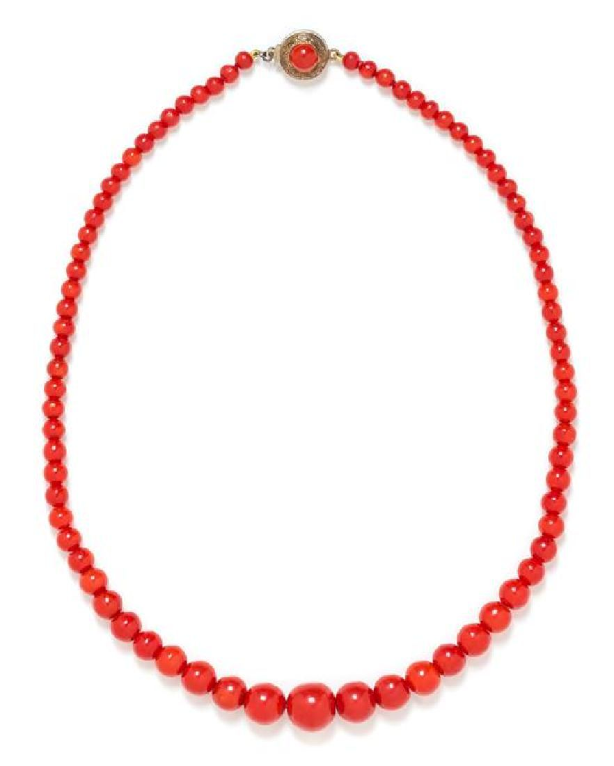 * A Graduated Coral Bead Necklace, 14.70 dwts.