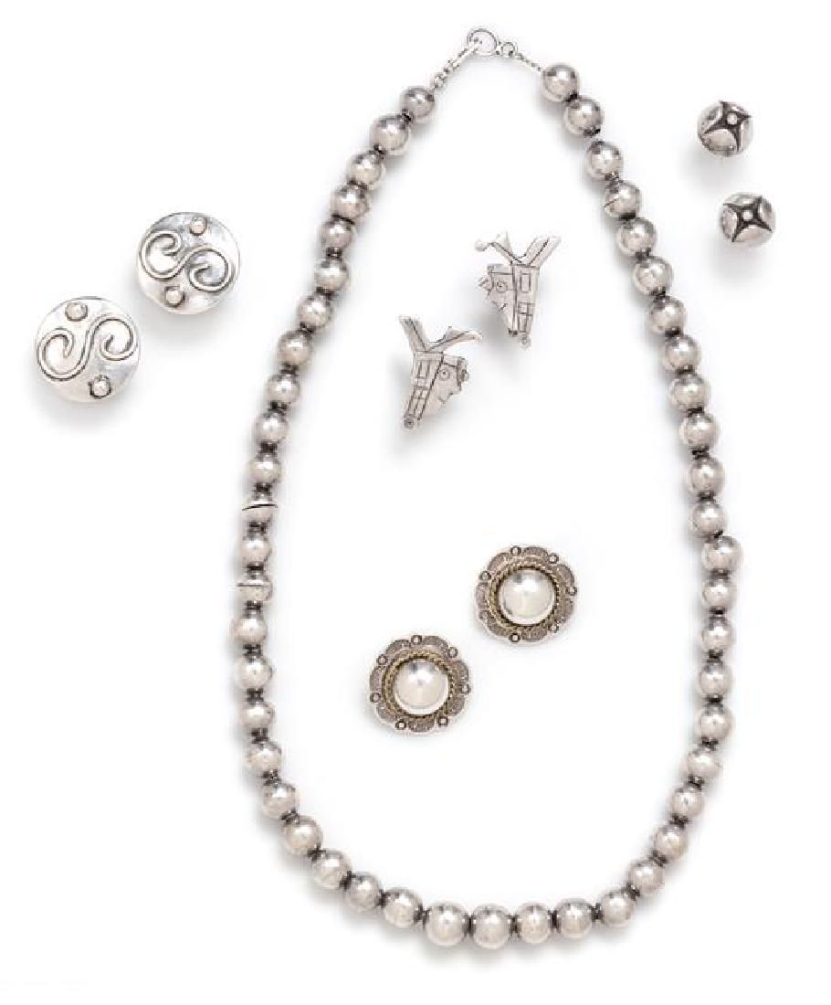 A Collection of Sterling Silver Jewelry, 21.70 dwts.