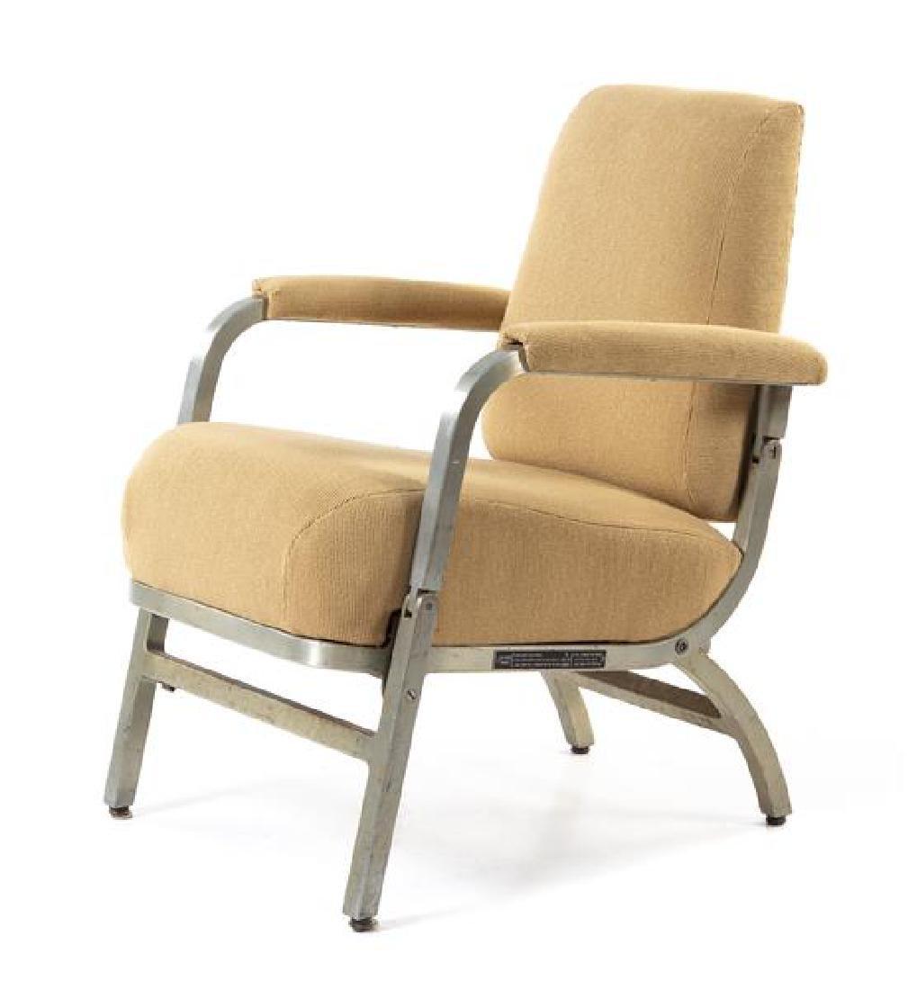 An Aluminum-Framed Folding Rail Car Lounge Chair Height