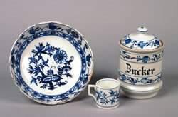 A Meissen Blue Onion Porcelain Covered Sugar Jar,
