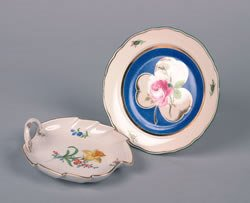 9: A Meissen Leaf-Form Handled Tray, Diameter of plate
