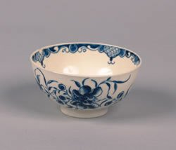 12: A Worcester Dr. Wall Blue and White Porcelain Bowl,