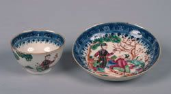 A Chinese Export Famille Rose Porcelain Teacup and