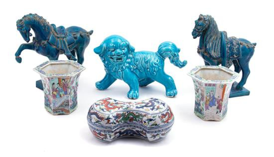 Six Decorative Chinese Style Ceramic Articles