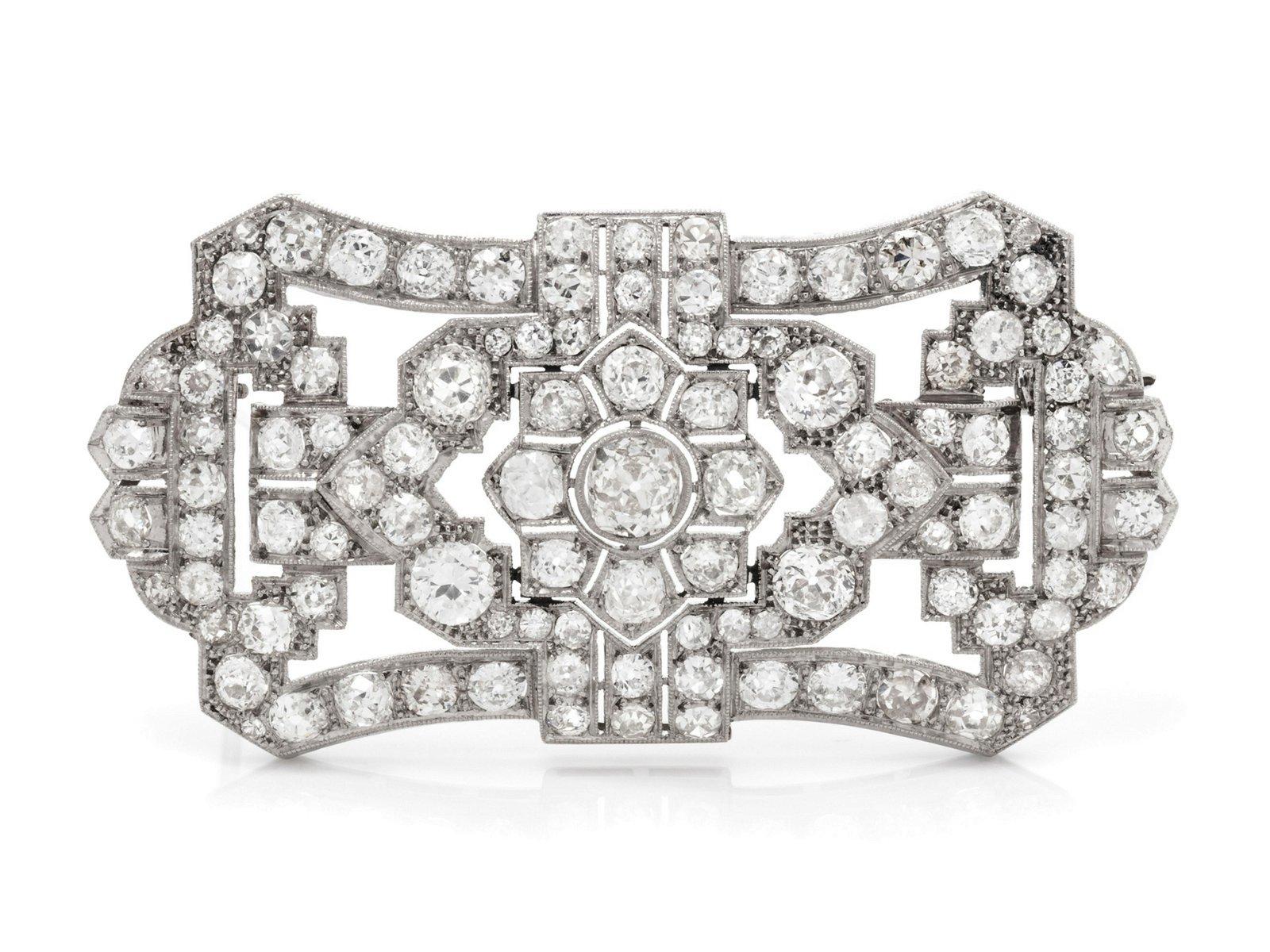 An Art Deco Platinum and Diamond Brooch,