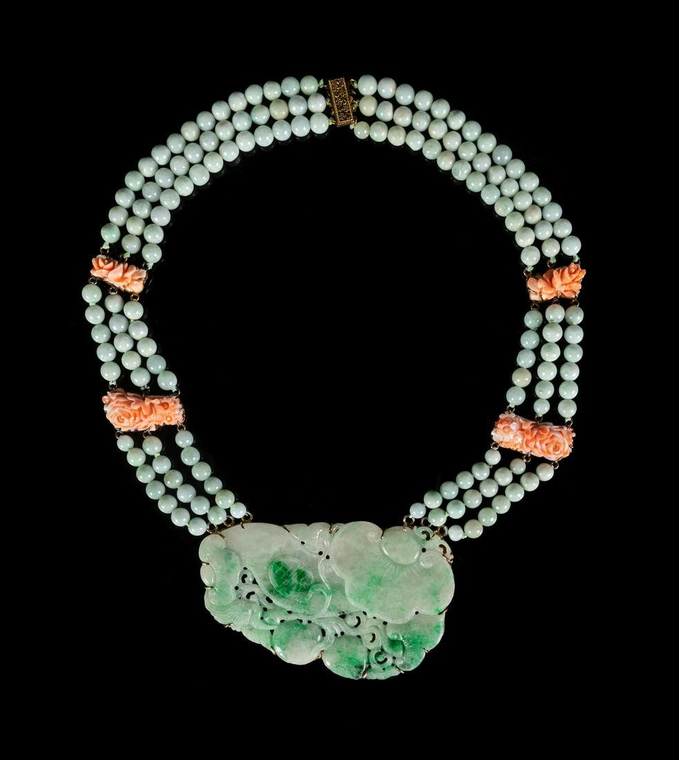 A Jadeite Beaded Necklace Length 15 in., 38 cm.