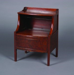 11C: A George III Mahogany Bedside Commode, Height 30 x