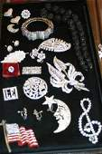 1097: A Collection of Lady's Vintage Rhinestone Jewelry