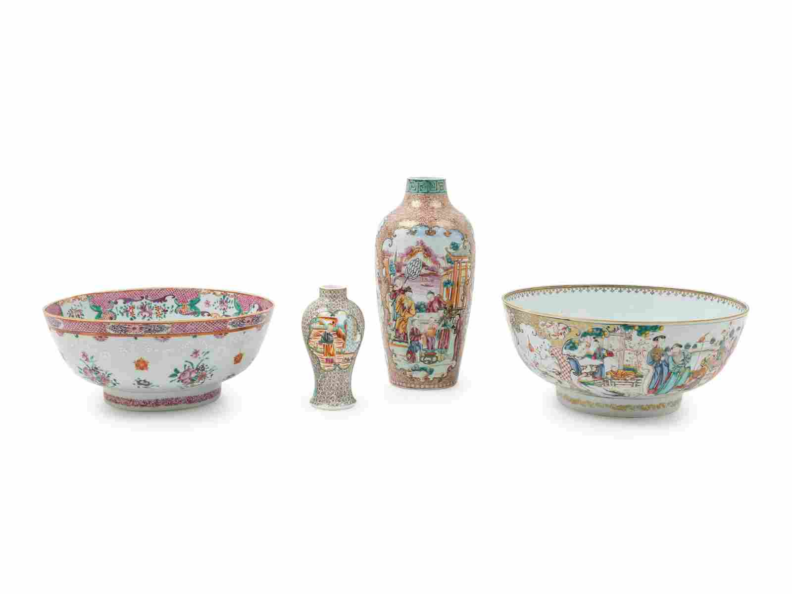 Four Chinese Export Famille Rose Porcelain Articles