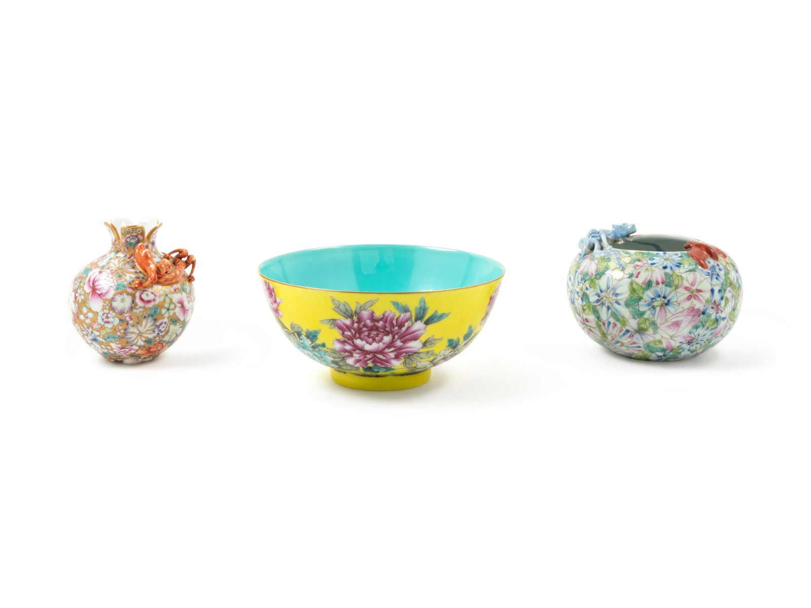 Three Chinese Famille Rose Porcelain Articles Diam of
