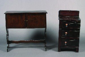 439: A Mahogany Side Cabinet, Height of cabinet 35 x wi