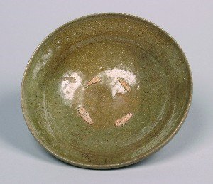 1156: A Chinese Longquan Celadon Glazed Bowl. Height 2