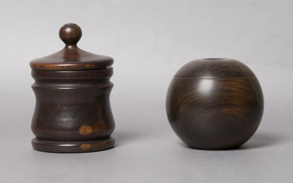 4: A Group of Two Treen Articles, Height of tallest 5 1