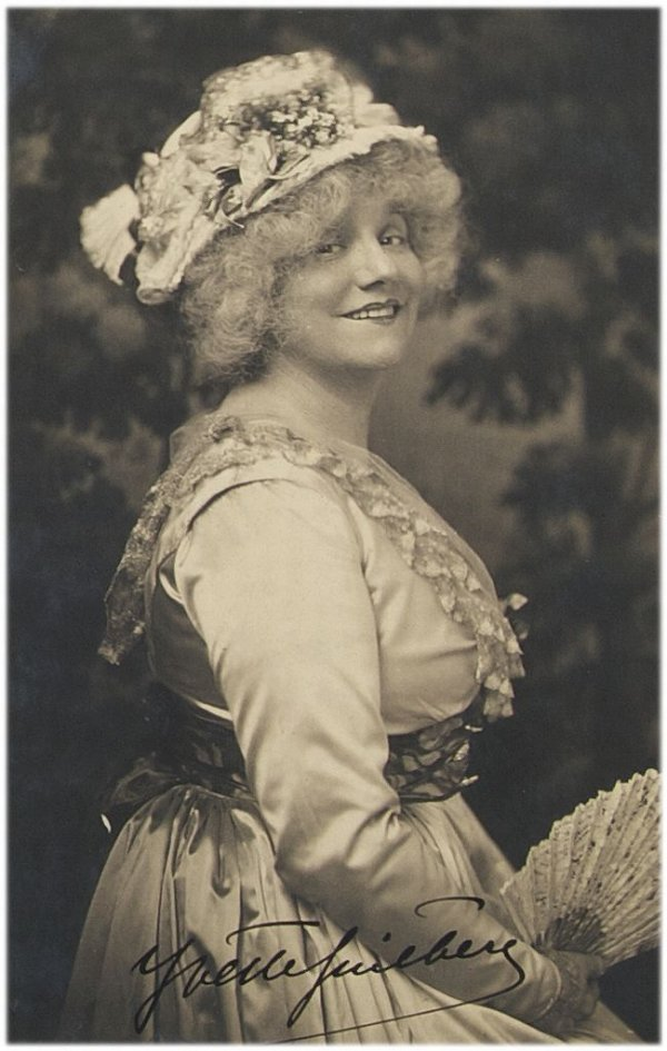 Alice Boughton, (American, 1865-1943), Yvette Guilbert