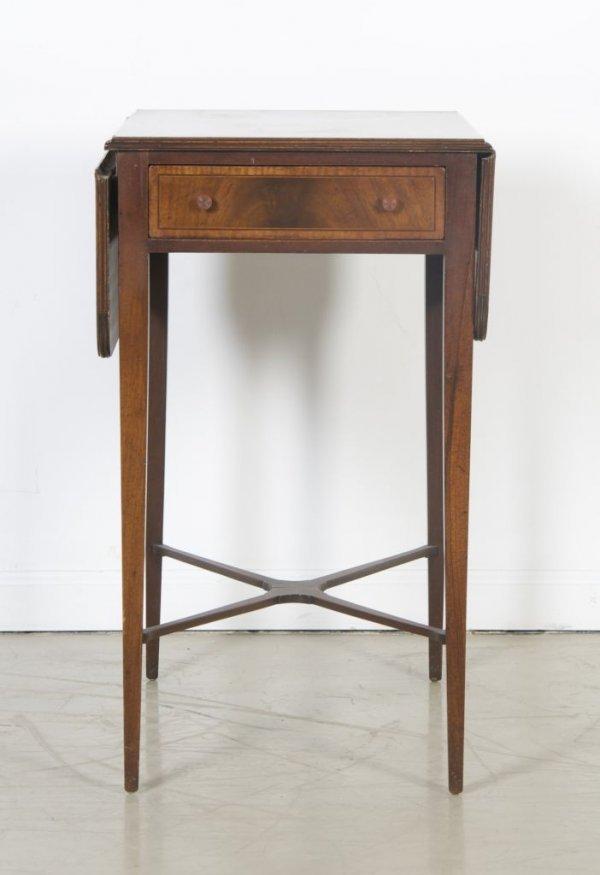 8: A Georgian Style Pembroke Table, Height 34 1/2 x wid