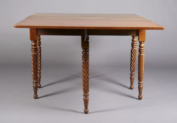 11: An American Maple Drop-Leaf Table, Height 28 3/4 x