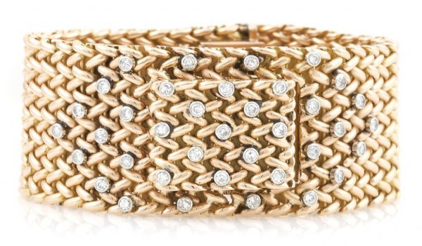 An 18 Karat Rose Gold and Diamond Bracelet Watch, 65.60