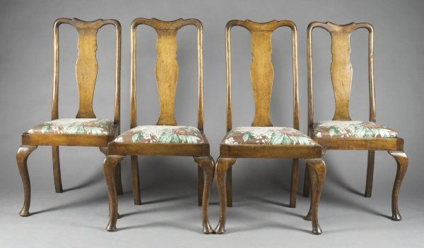A Set of Four Queen Anne Style Side Chairs, Height 41 i