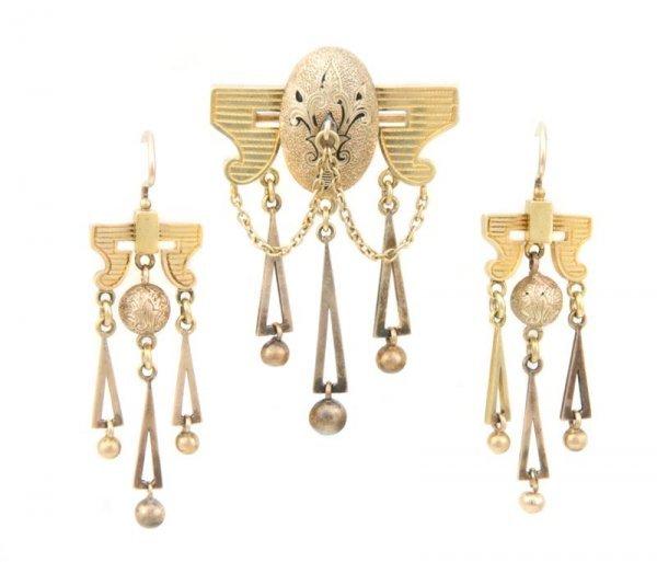 A Set of Victorian 15 Karat Yellow Gold Jewelry, 10.33