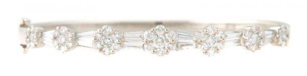 An 18 Karat White Gold and Diamond Bracelet, 10.00 dwts