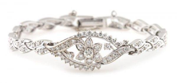 A 14 Karat White Gold and Diamond Bracelet, 10.23 dwts.
