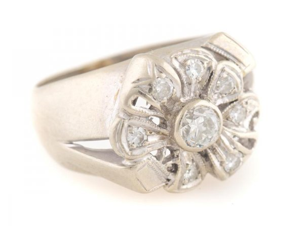 A 14 Karat White Gold and Diamond Ring, 3.23 dwts.