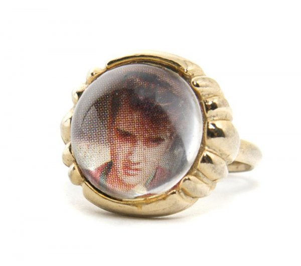 24: An Elvis Presley Enterprises Adjustable Photo Ring,