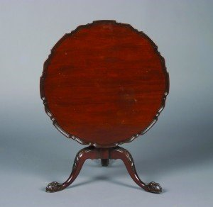 9: A Chippendale Style Tilt Top Mahogany Side Table, He