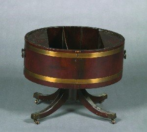 23: An English Mahogany Cellarette, Height 18 1/2 x wid