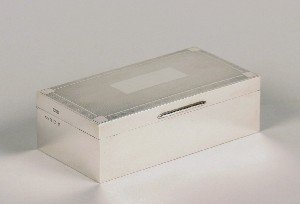 347: An Elizabeth II Silver Cigarette Box, Length 6 1/2