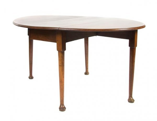 9: A Queen Anne Style Drop-Leaf Table, Height 28 1/2 x