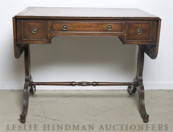 7: A Georgian Style Drop-Leaf Writing Desk, Height 28 x