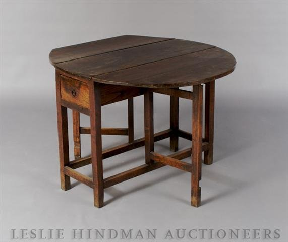 20: A William and Mary Style Oak Drop Leaf Table, Heigh