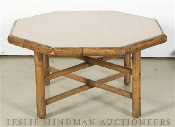24: A Marble Top Occasional Table, Diameter 37 inches.