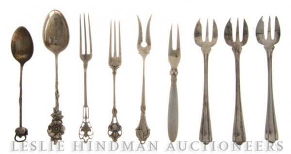 620: A Cased Set of English Silverplate Demitasse Forks