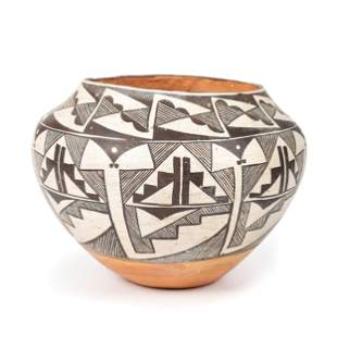 Acoma Pottery Jar height 7 1/4 inches x diameter 10 1/4