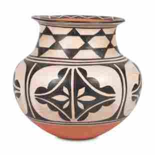 Robert Tenorio (Kewa, b. 1950) Polychrome Pottery Jar